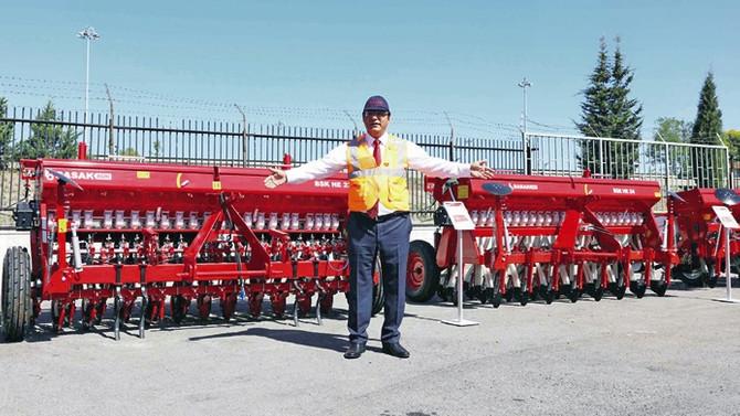 Başak Agri, 8 yeni tarım makinesini görücüye çıkardı