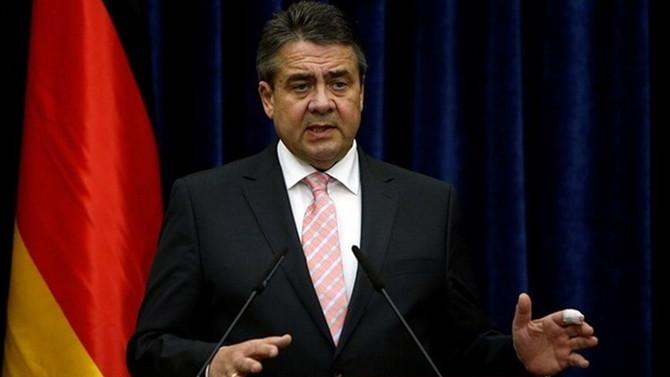 AB, Türkiye ile üyelik müzakerelerini durdurmalı