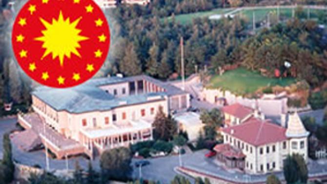 Askere sivil yargı yolunu açan yasa Köşk'te