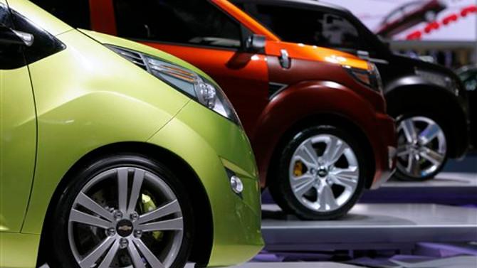 AB otomobil pazarı daralmaya devam ediyor