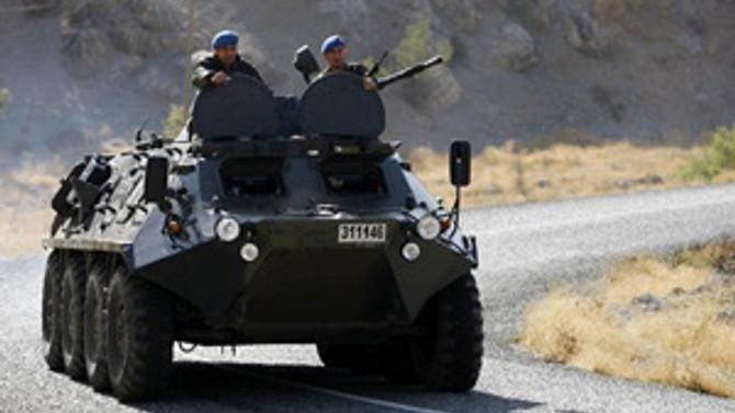 Askerlere taciz ateşi: 2 yaralı