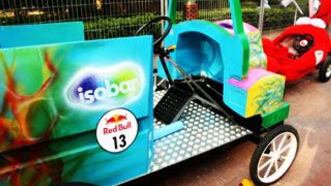 Carat / Isobar ekibi, Redbull Soap Box'ta yarıştı