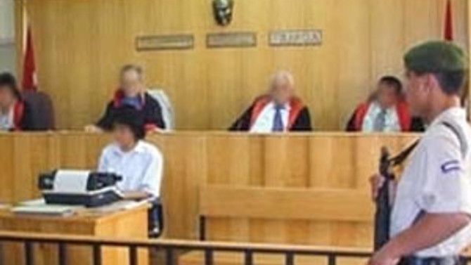 Karabulut'un 2 avukatı vekillikten çekildi