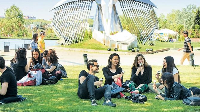 Vize krizi sonrası öğrenciler rotayı İngiltere'ye çevirdi