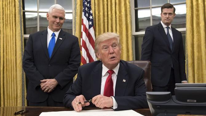 Trump'tan Obamacare'i zayıflatacak yeni adım