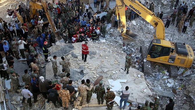 İran'daki depremde ölü sayısı 450'yi geçti