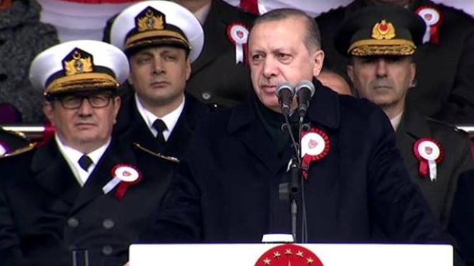Erdoğan Kara Harp Okulu subay adaylarının mezuniyet törenine katıldı. ile ilgili görsel sonucu