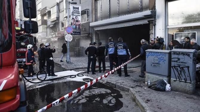 Beşiktaş'ta 6 katlı binada yangın