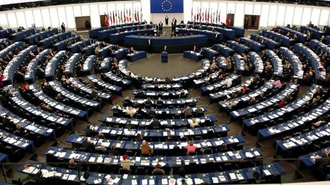 Juncker:  Türkiye'ye 3 milyar euro daha aktaracağız