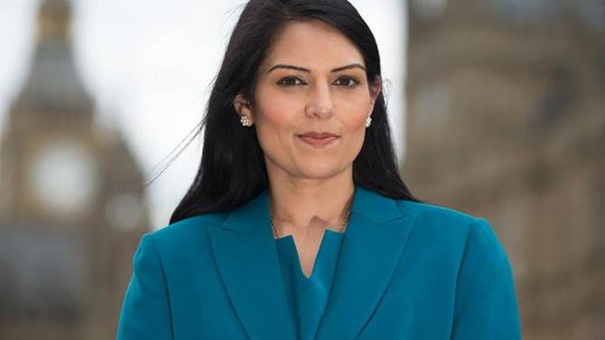 İngiliz bakan Priti Patel istifa etti