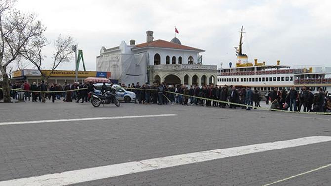 Kadıköy'de sahipsiz valiz ve çuval polisi alarma geçirdi