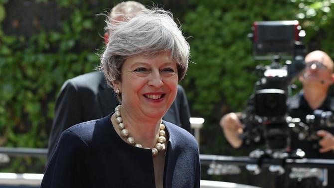 İngiltere Başbakanı May'e suikast girişimi engellendi