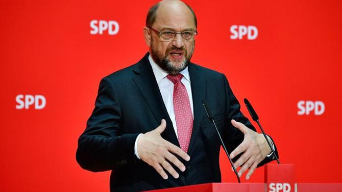 Schulz: Avrupa kemer sıkma politikalarını kaldıramaz