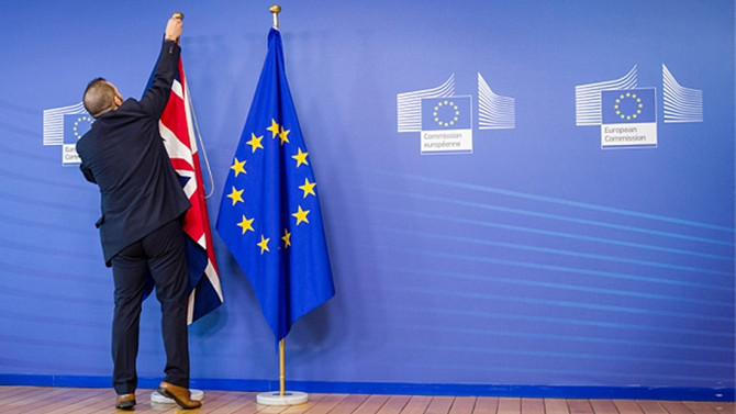 AB, Brexit için pazar gününe kadar süre tanıdı