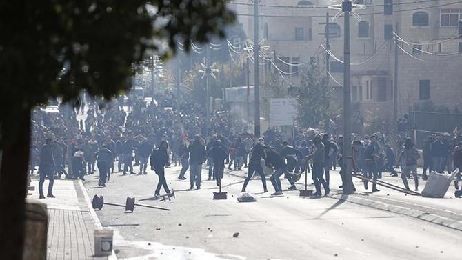 Filistinli göstericilere müdahale: 108 yaralı