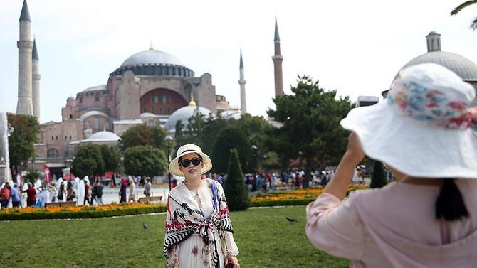 En çok turisti İstanbul ve Antalya ağırladı