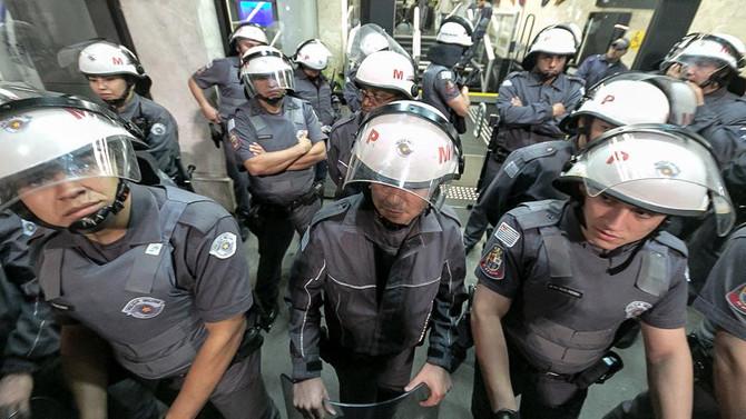 Brezilya'da polis grevleri yayılıyor
