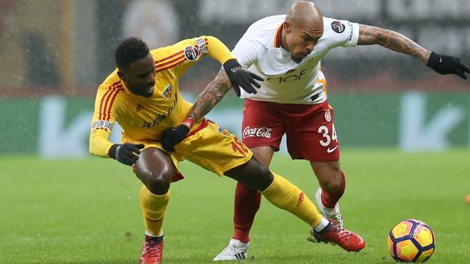 Galatasaray fırsatı kaçırdı
