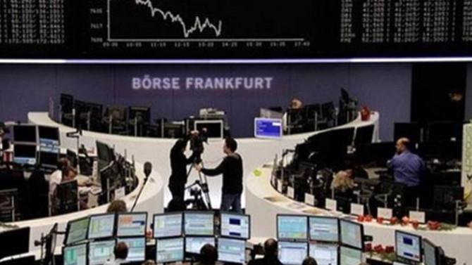 Avrupa borsaları politik gelişmelerin etkisiyle düştü