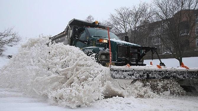 Çöp arabaları kar küreme aracına çevrildi