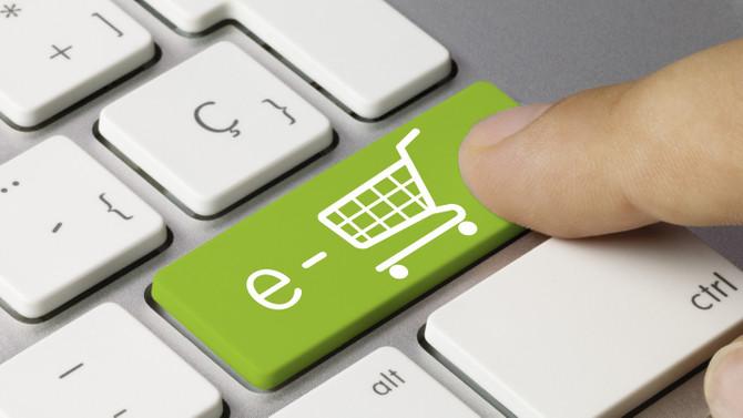 Lüks alışverişin yıldızı e-ticaret oldu