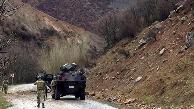 Hakkari'de iki asker şehit oldu