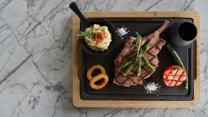 Izaka Restaurants'tan kuşkonmaza özel mönü