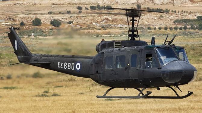 Yunan askeri helikopteri düştü