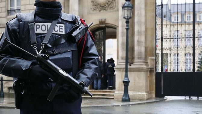 Paris'te silahlı saldırı