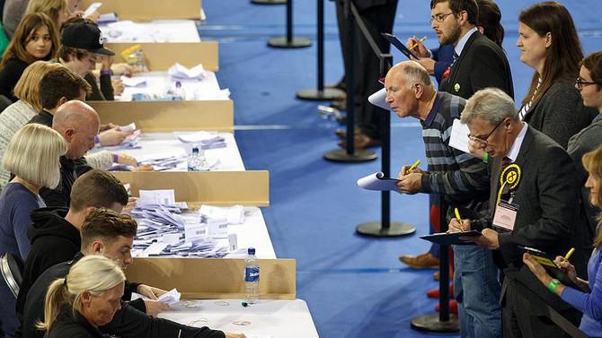 Birleşik Krallık'ta oyların tamamı sayıldı