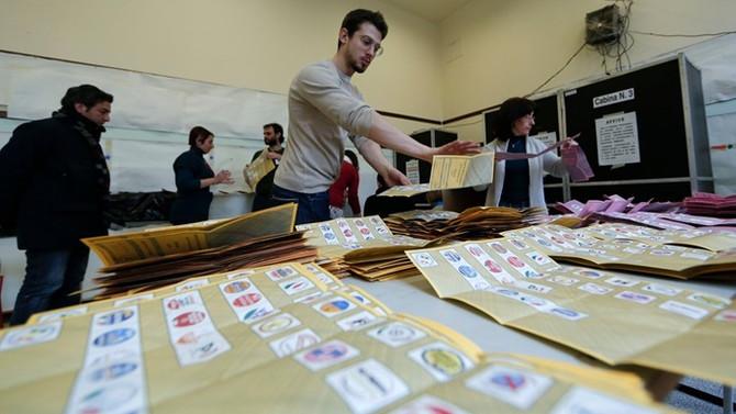 İtalya'da seçimler ikinci tura kaldı