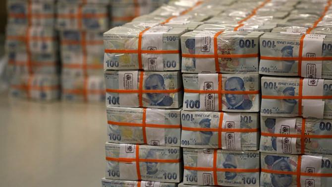 Hazine, 7.8 milyar TL borçlandı