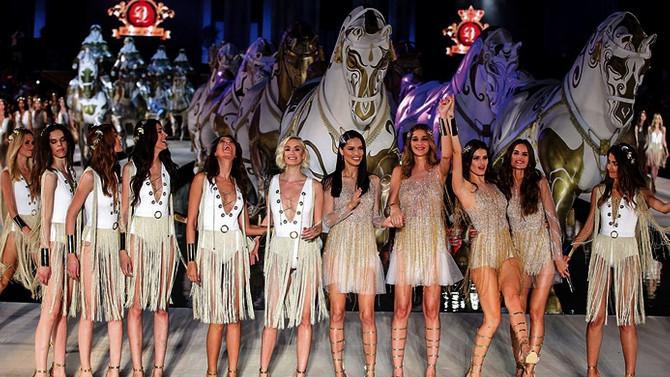 Top modelleri podyuma çıkardı, 60 milyon $ rekor ciro hedefledi