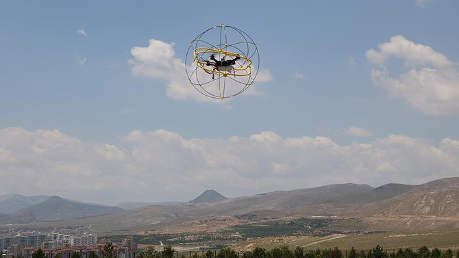 Küre kafes ile 'drone'lar artık daha güvende