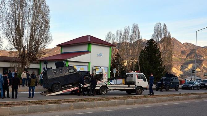 Zırhlı polis aracı devrildi: 8  yaralı