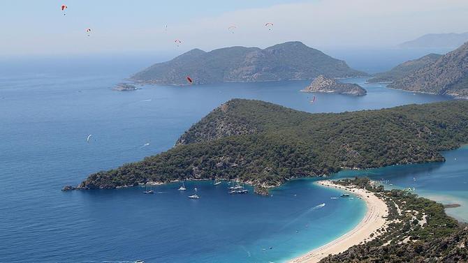 Babadağ'da yamaç paraşütüne Çinli turist ilgisi