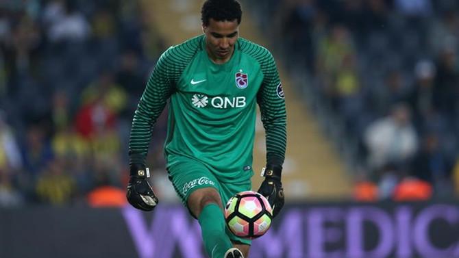 Trabzonspor Esteban'ı KAP'a bildirdi