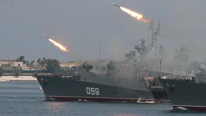 Rusya, Suriye'yi Akdeniz'den vurdu