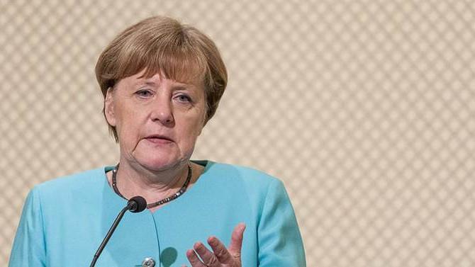 Merkel: May'in önerisi iyi bir başlangıç