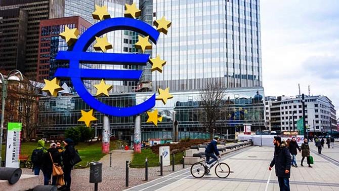 Euro Bölgesinde imalat PMI 6 yılın zirvesinde