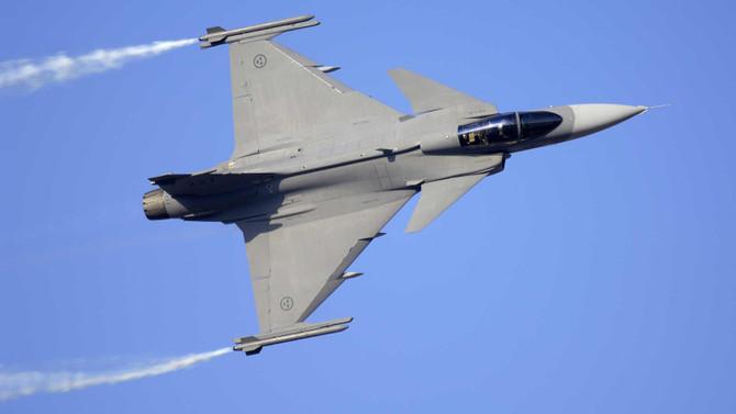 Bulgaristan İsveç'ten 8 savaş uçağı alacak