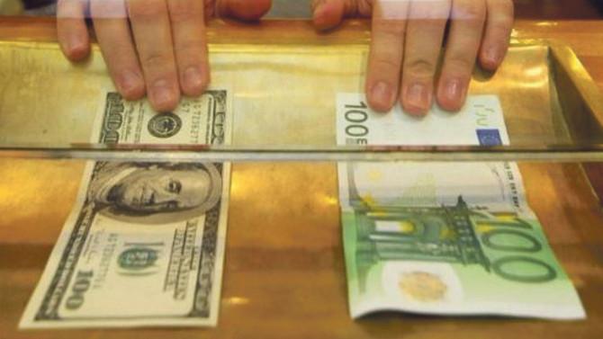 Euro ve dolar sakinleşti