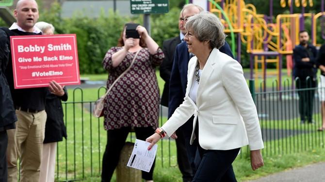 İngiltere'de liderler oylarını kullandı