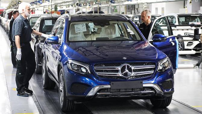 Mercedes'te egzoz emisyon hilesi iddiası