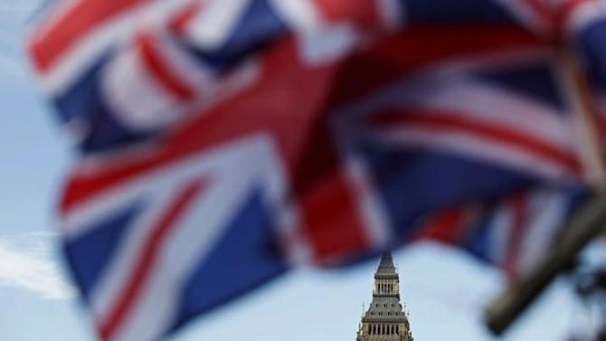 İngiltere'de yeni siyasi hareket sinyali