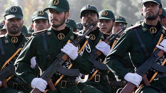 İran'da Devrim Muhafızlarının bütçesi arttırıldı