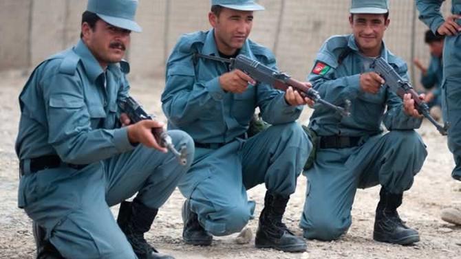 Afganistan'da çatışma: 5 polis öldü