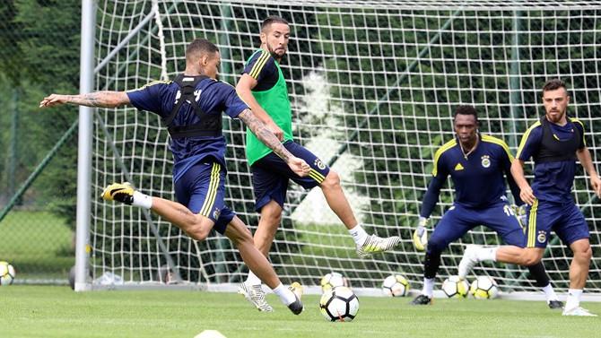 Fenerbahçe, Cagliari'yi ağırlıyor