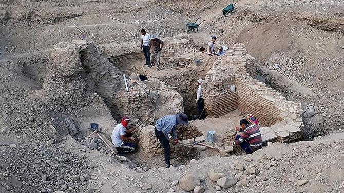 Kırgızistan'da Karahanlılar dönemine ait türbe bulundu