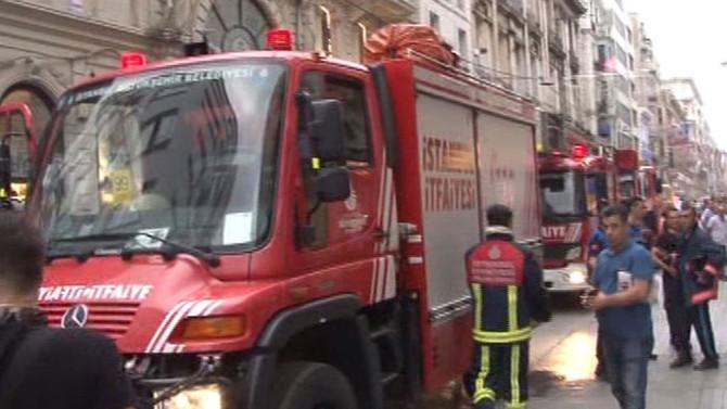 İstiklal'de yangın paniği